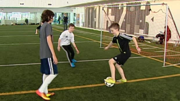 The Edmonton Soccer Minor Soccer Association is surveying parents about whether scores and standings should be eliminated for players under 12 years old.