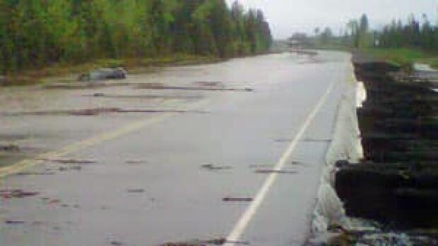mi-hwy11-17-flooding-300