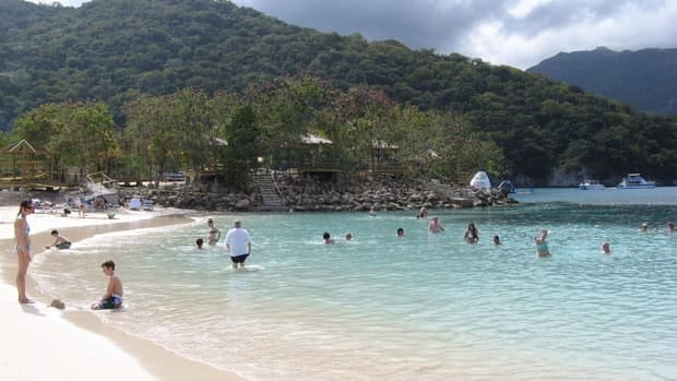 Travellers from the U.S. and Canada are cautioned about going to Haiti this holiday season.