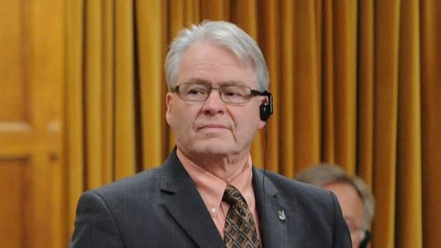 Bruce Hyer, a northern Ontario MP, announced Monday he is leaving the NDP caucus to sit as an Indepdendent MP.