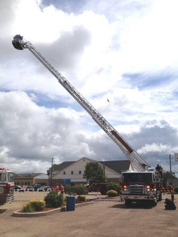 pe-mi-aerial-fire-truck