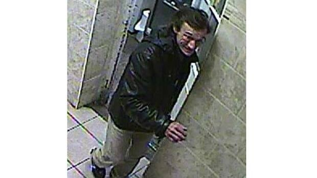 Montreal police have released a photo of the suspect in a series of synagogue robberies.
