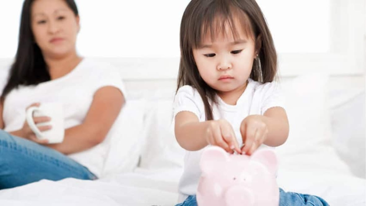 tacheng single parents Growth of unsuitable self-employment blamed for half of single rise in zero-hours jobs for single parents 'risks causing child poverty single parents are.