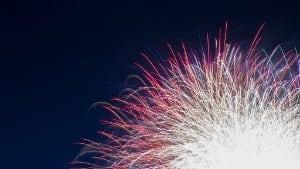 mi-130731-team-uk-fireworks