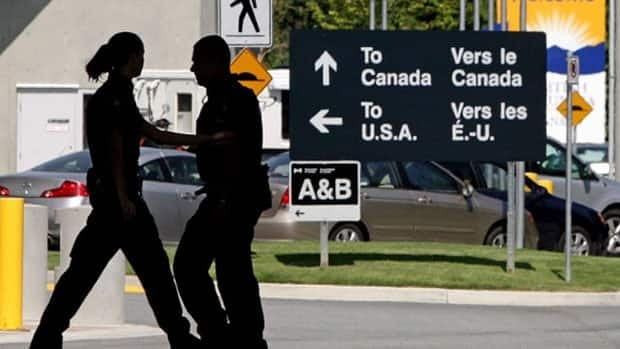 CanadaUS Deal Could Close Small Border Crossings Canada CBC - Us canada border crossings map