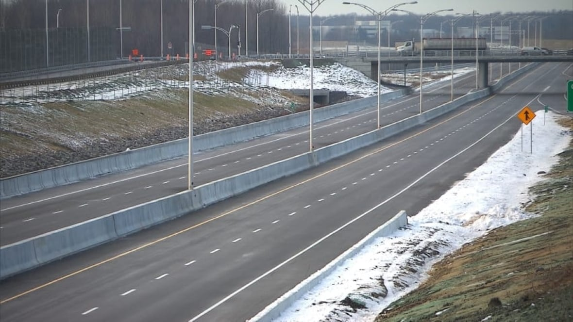 Final section of Highway 30 opens today - Montreal - CBC News