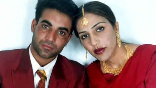 Jassi Sidhu and her husband Sukhwinder Mithu Sidhu were attacked near a village in Punjab in June 2000. Sukhwinder Sidhu was badly beaten, but survived.