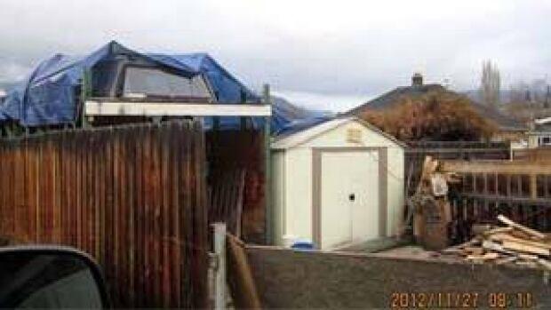 mi-bc-121217-kelowna-shed