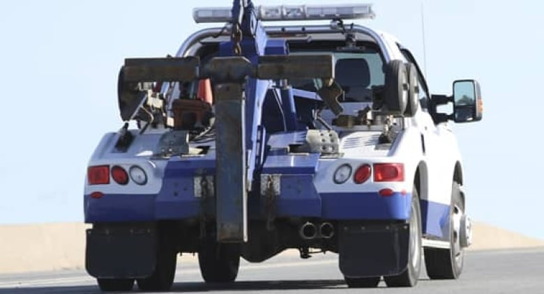 Tow Truck Ottawa >> Tow Truck Crash Chasing Reaches Epidemic Proportions In