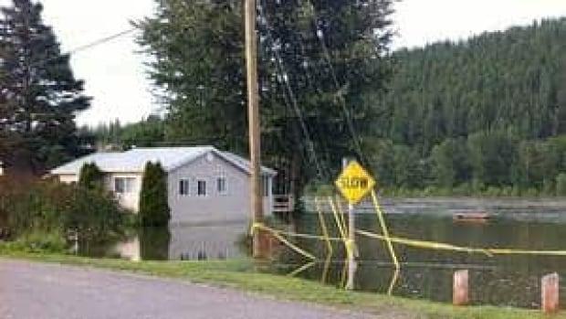 hi-bc-110711-flooding-prince-george-4col