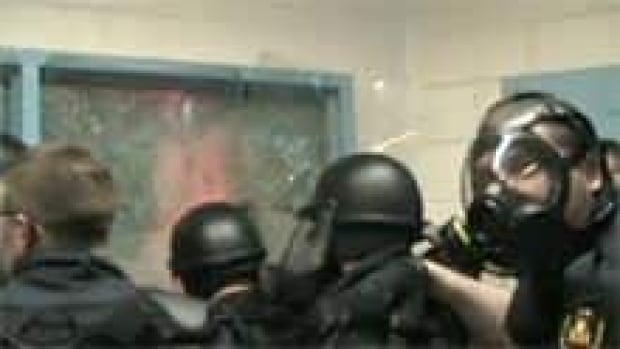 si-nb-saint-john-jail-riot-220