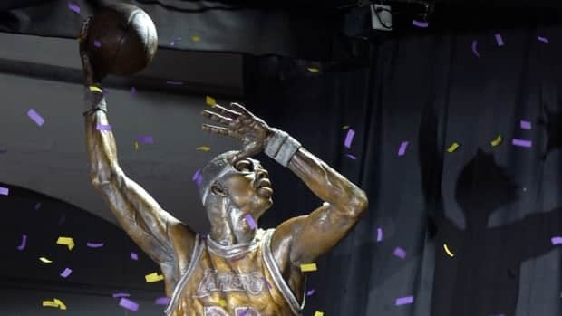 A statue of former Los Angeles Lakers center Kareem Abdul-Jabbar is unveiled in front of Staples Center, Friday, Nov. 16, 2012, in Los Angeles.