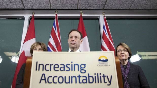 Richard Rosenthal, centre, is flanked by B.C. Premier Christy Clark, left, and Justice Minister Shirley Bond, right, in 2011.