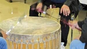 hi-drumming-852-4col