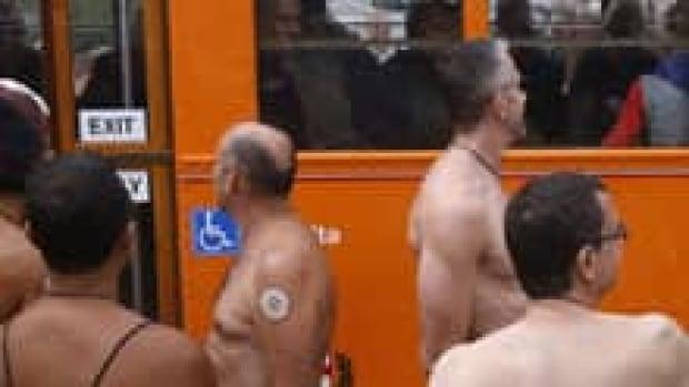 si-san-fran-nudity-01335461