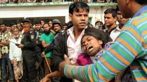 si-bangladesh-fire-mourn-300-ap-03639875