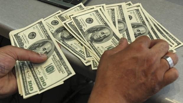 li-us-dollars620-cp00808110