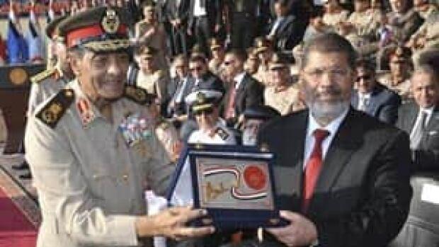 mi-egypt-morsi-military0288