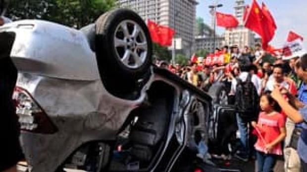 si-anti-japan-protest-300-rtr37zva