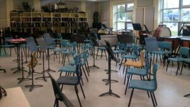 pe-hi-montague-music-room-4col