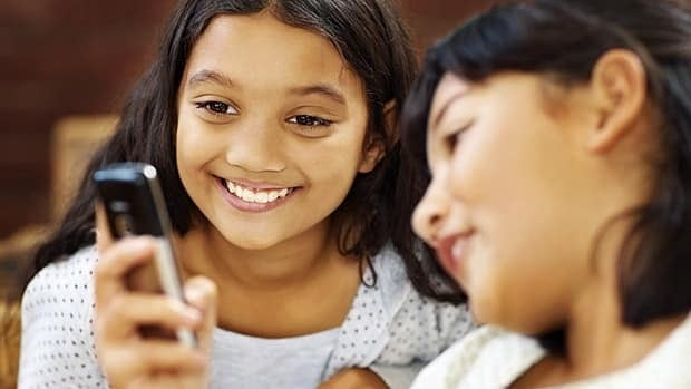 The Elementary Teachers' Federation of Ontario has updated its policy on the use of mobile devices in the classroom.