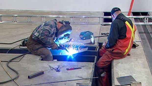 The B.C. Federation of Labour is enlisting the help of the provincial government to make legislative change to improve workplace safety and reduce injuries and deaths.