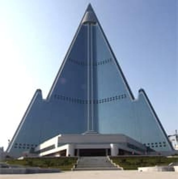si-north-korea-hotel-300-ap