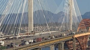 hi-bc-120911-port-mann-bridge-1-4col