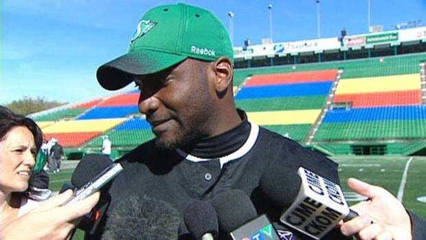 Riders quarterback Darian Durant has signed a new deal with the CFL club.