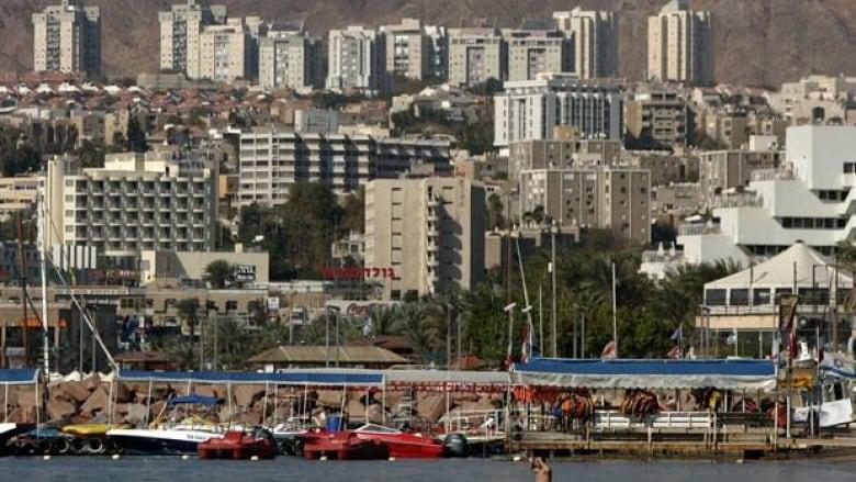 Israel briefly closes airport after rocket warning   CBC News
