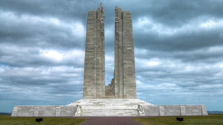 tactic used at vimy ridge The new tactics the canadian troops used in the battle of vimy ridge is part of the reason this battle was such a huge victory instead of going along with the traditional trench tactic used in a majority of world war 1, canadians tried something new.