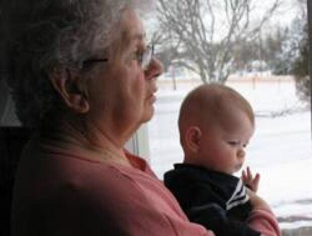 grandmother_baby1002