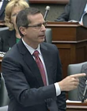 si-220-mcguinty-pointing