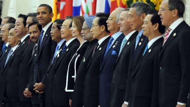 U.S. President Barack Obama joined Leaders of the Association of Southeast Asian Nations (ASEAN) and leaders of Southeast Asia at the Peace Palace in Phnom Penh on Tuesday.