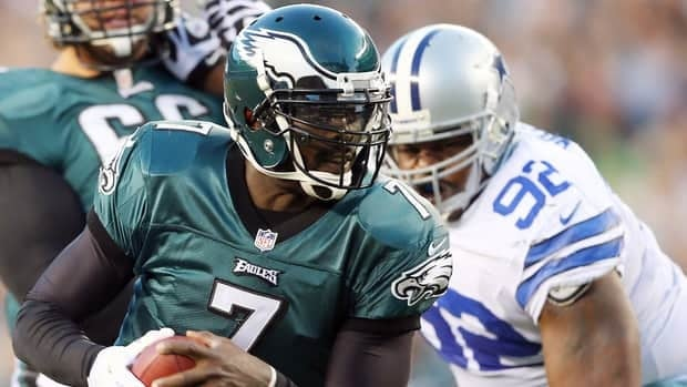 Michael Vick suffered a concussion against the Dallas Cowboys on Sunday in Philadelphia.