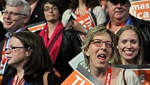 mi-mulcair-win-supporters-1