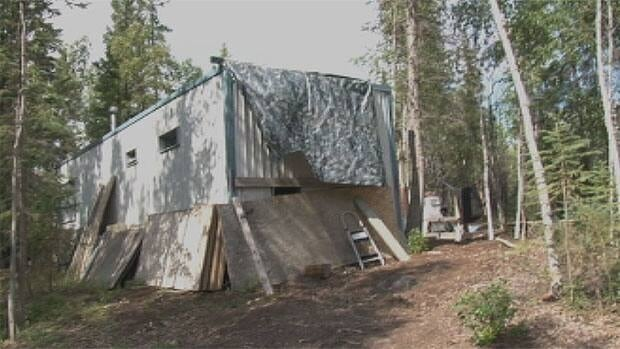 One of the cabins near Yellowknife which the territory is taking legal action against. There are about 200 such homes and cabins in the territory, half of which are in the Yellowknife area.