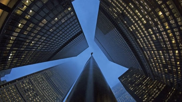 Moody's cuts credit ratings of six Canadian banks