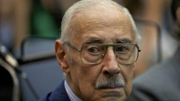 Argentina's former dictator Jorge Rafael Videla denies his government stole babies from women who were detained and then executed during the country's dictatorship.