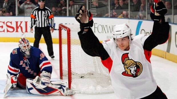 Ottawa Senators defenceman Erik Karlsson signed a month-to-month contract with Jokerit and is expected to make his debut with the Finnish team on Saturday.