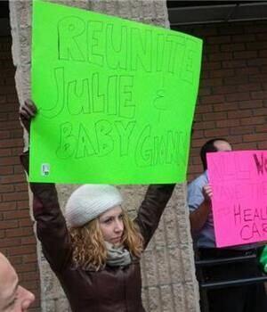mi-ott-jailbaby-protest-300