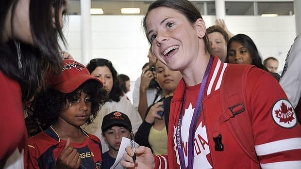 Olympic bronze-medal match goal scorer Diana Matheson and the Canadian women's soccer team returned home to a heroes' welcome.