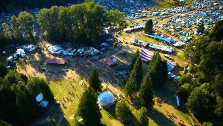 Shambhala Music Festival warns guests of nearby wildfire, evacuation alert thumbnail