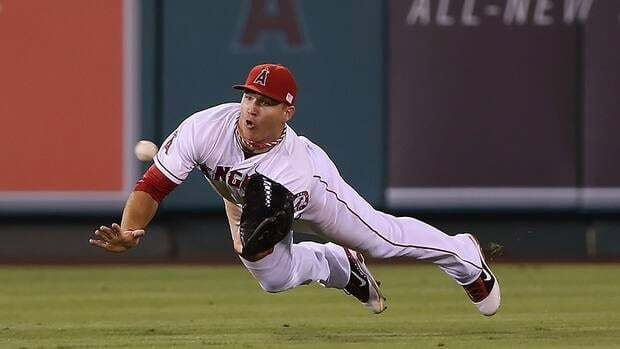 Centre fielder Mike Trout of the Los Angeles Angels has won the American League rookie of the year award. Trout was a star at the plate, on the bases and in the field in his first season in the majors.