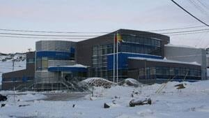 mi-iqaluit-courthouse-laura-wright