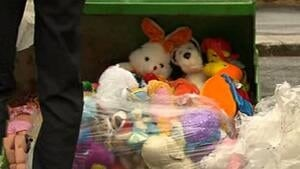 hi-funeral-toys-300