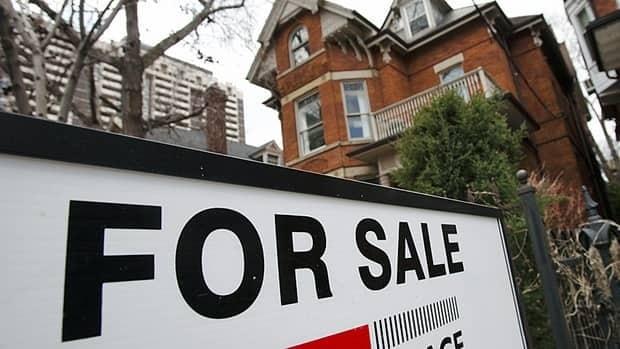 hi-housing-realestate-sign-8col