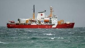 li-amundsen-icebreaker-resolute-0911
