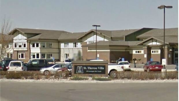 Friends of Medicare allege an employee at the St. Therese Villa long-term care facility found mice nibbling on a patient with dementia.