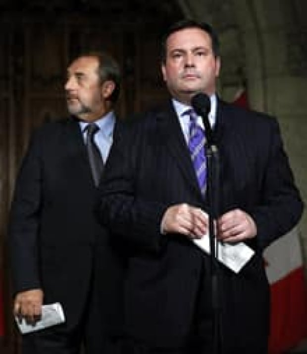 si-220-jason-kenney-denis-lebel-rtx13fzf
